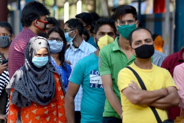 अमीर भारतीय कोविड-19 महामारी को लेकर कम भयभीत : सर्वे