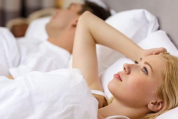 जिस दिन पत्नी को नींद अच्छी तरह नहीं आती, उसके दूसरे दिन...