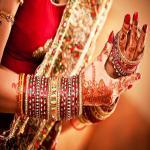 करवा चौथ: महिलाएं अपनी राशि के हिसाब से करें कपड़ों का चुनाव