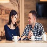 पहली डेट पर भूलकर भी नहीं करें ये बड़ी गलतियां, वरना रिश्ता शुरू होने से पहले हो सकता है खत्म