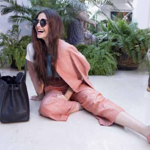 Sonam कपूर का Summer सीजन के लिए cool style