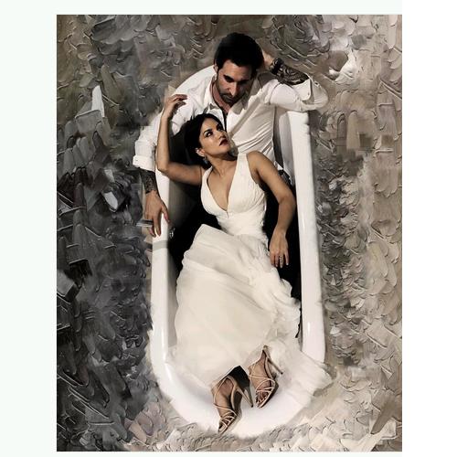 सनी का पति डेनियल के साथ बाथ टब फोटोशूट