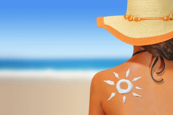 सनस्क्रीन त्वचा कैंसर का खतरा 40 फीसदी घटाने में सक्षम