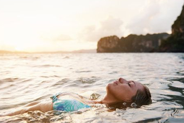 समुद्र में तैरने से बढ़ जाता है संक्रमण का खतरा
