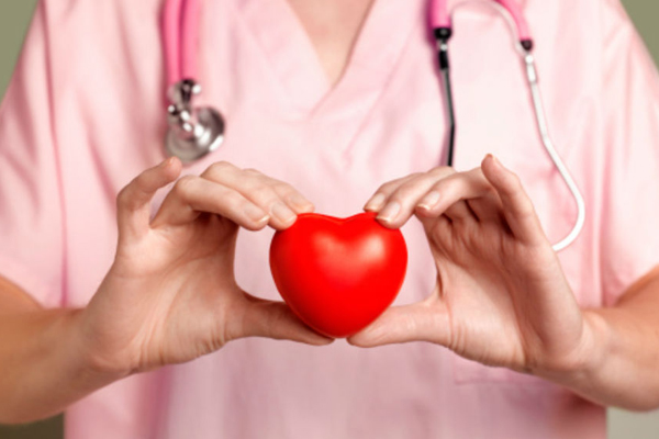 दिल के दौरे से करते हैं आगाह ये 10 लक्षण
