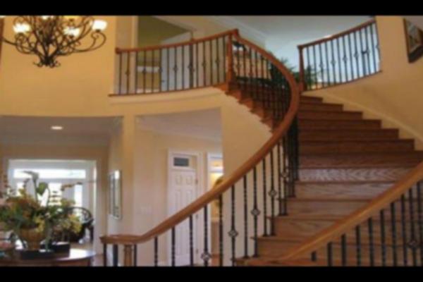 घर में यहां सीढिय़ां बनाने से हो सकते हैं ये नुकसान, जानिए कैसे...