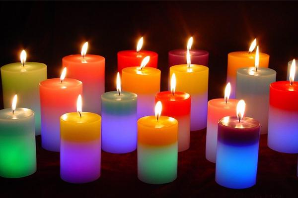 घर में इस तरह की मोमबत्ती जलाने से होते हैं ये फायदें.......