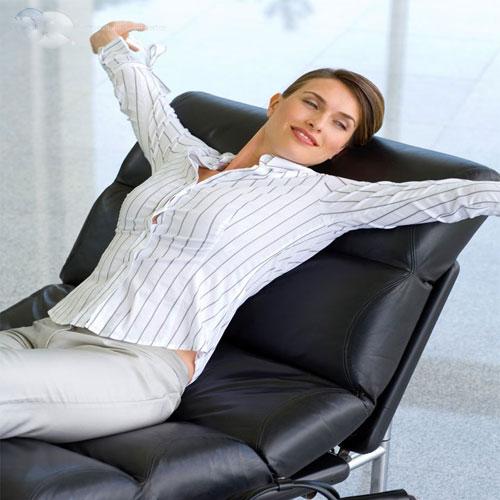 तनाव भरी स्थिति में खुश रहने के टिप्स
