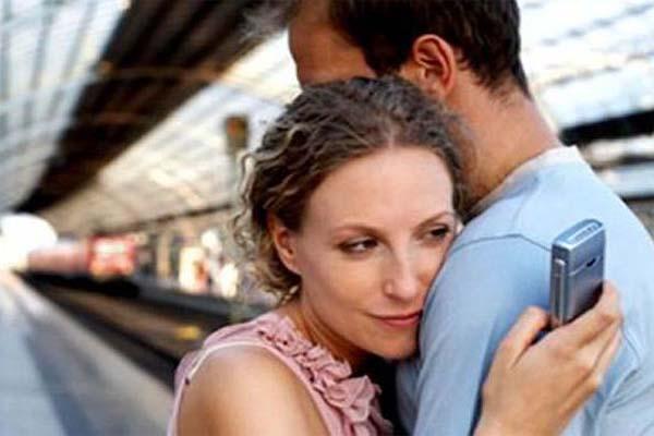 जानिए क्यों अपने पति को धोखा देती हैं शादीशुदा महिलाएं..