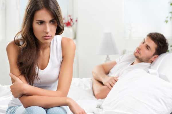 पत्नियों में होती हैं शक की बीमारी...