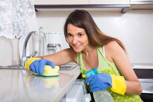 वर्किंग वुमन्स ऐसे करें घर की सफाई....