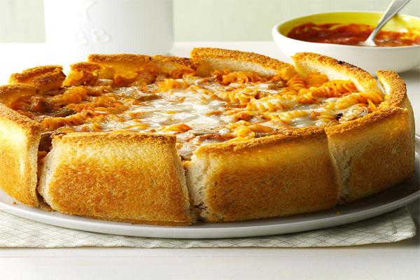 घर में ऐसे बनाएं गार्लिक ब्रेड पास्ता....