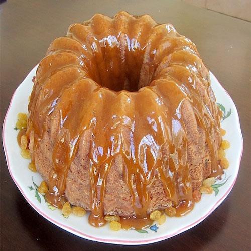 झटपट हनी और किशमिश यम्मी केक तैयार