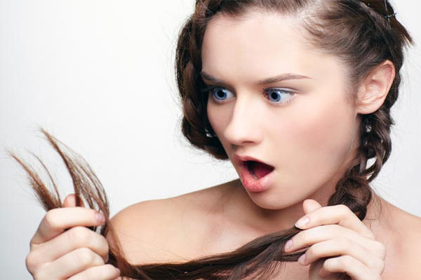 Grey hair is a cause for concern, whatever your age. The first appearance of grey in the locks throws almost everybody in a state of panic. Do you want to know what are the causes and treatment options for premature greying of hair?